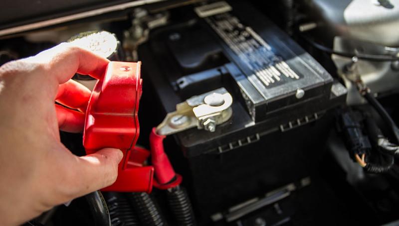 borna baterie auto